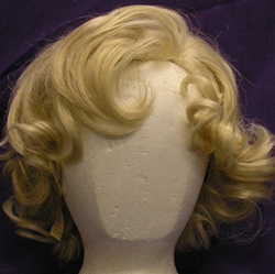 photo of Marilyn Monroe wig